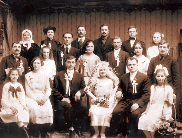 Mike and Anna wedding 1922